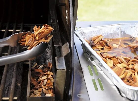 how to use wood chips on a gas grill